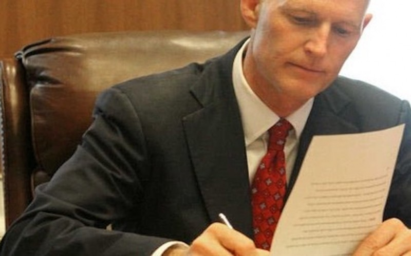 Gov.-Scott-signs-Florida-emergency-concealed-carry-bill
